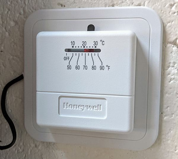 My boring thermostat that I want to replace